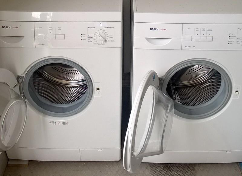 <center><b>Automat poboru opłat - pralnia</b></center>